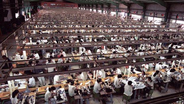 Planta de fabricación de Apple en Asia. (CC)