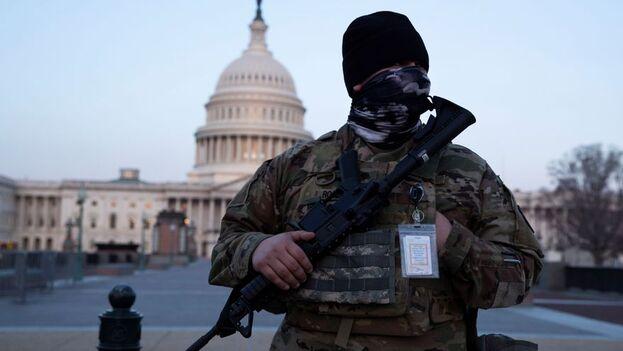 Este jueves, la Policía del Capitolio solicitó una extensión de 60 días de los miembros de la Guardia Nacional desplegados en la capital estadounidense. (EFE)