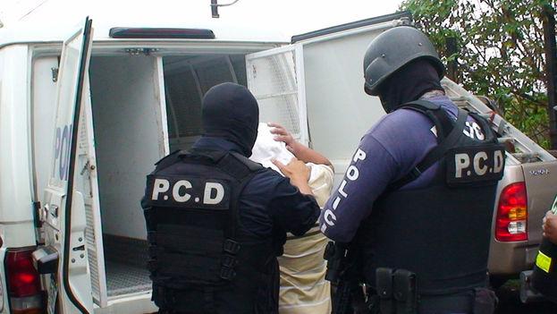 Policía de Control de Drogas de Costa Rica durante una intervención. (Nacion)