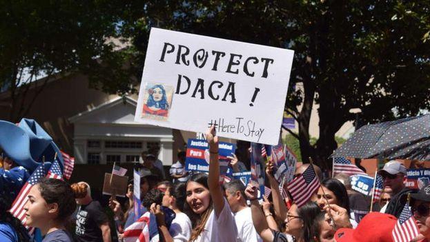Según 'Político', la decisión de Trump será eliminar el programa DACA que ha protegido a 800.000 jóvenes indocumentados de la deportación. (Honduras Hoy)