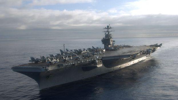 Portaaviones 'USS Harry S. Truman', cerca del cual lanzó cohetes Irán a finales de diciembre. (CC)