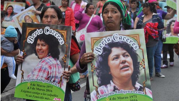 La ambientalista Berta Cáceres, asesinada en marzo de 2016 y por el que fueron acusadas y condenadas siete personas. (EFE)
