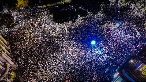 Protesta por el asesinato de Marielle Franco en el centro de Río la noche del jueves. (Guilherme Prado)
