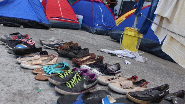 Los migrantes viven en condiciones precarias a su paso hacia Panamá. (Facebook)