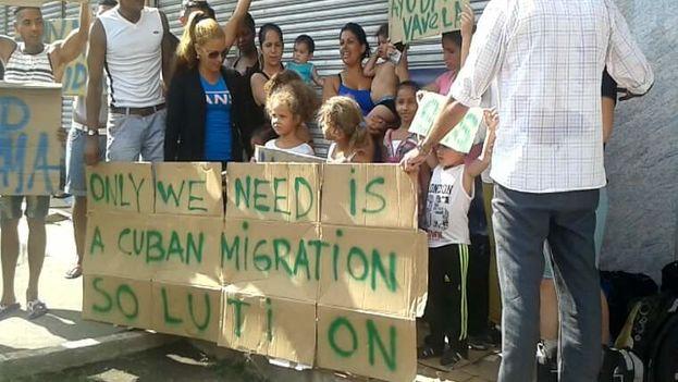 Protesta organizada por un grupo de migrantes cubanos para pedir ayuda al Gobierno de Panamá. (Facebook)
