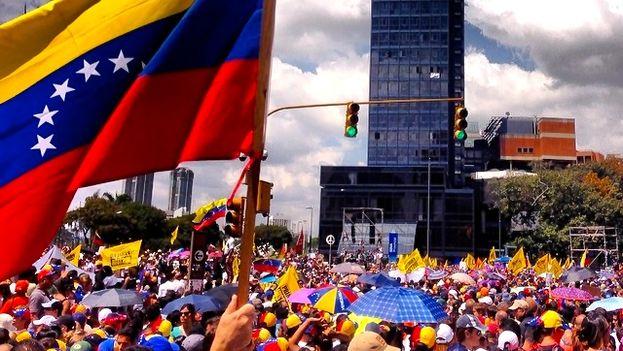 Protestas en febrero de 2014 en Venezuela (Diego Urdaneta)