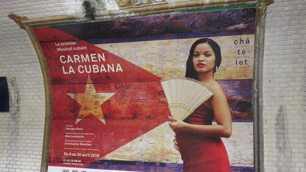 Publicidad en el metro de París del musical 'Carmen la cubana'. (Facebook)
