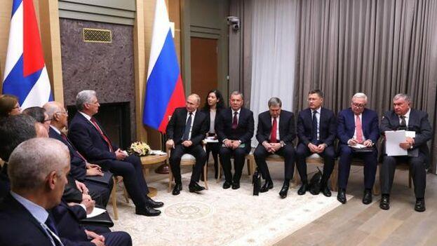 Putin recibió a Díaz-Canel en Novo-Ogariovo, la residencia campestre del presidente ruso situada en las afueras de Moscú.