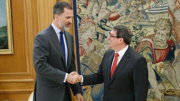 El ministro cubano de Asuntos Exteriores, Bruno Rodríguez, reunido hoy con el rey Felipe VI. (@CasaReal)