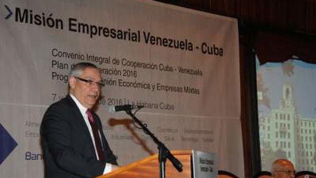 """En la primera jornada se encontró un """"potencial enorme"""" de trabajo conjunto, segun Ramón Gordils. (Embajada de Cuba en Venezuela)"""