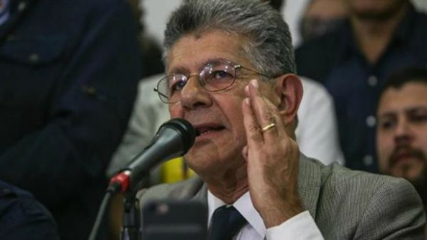 """Ramos Allup considera que el Gobierno """"no tiene ningún interés en el diálogo"""". (@hramosallup)"""