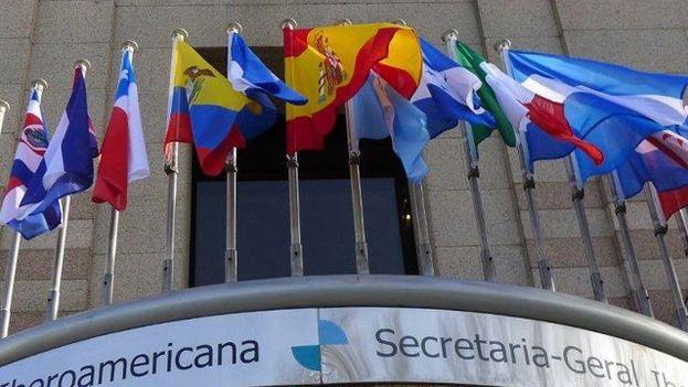 Raúl Castro no ha ido nunca a una Cumbre Iberoamericana. (Facebook)