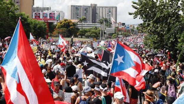 Cuba se convirtió en una República independiente en 1902, mientras Puerto Rico y Filipinas fueron territorios legalmente controlados por el Congreso de Estados Unidos. (EFE)