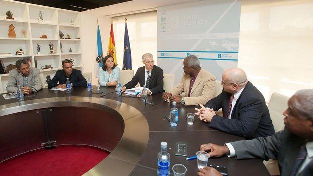 Reunión de Francisco Conde con miembros de la delegación cubana. (Xunta de Galicia)