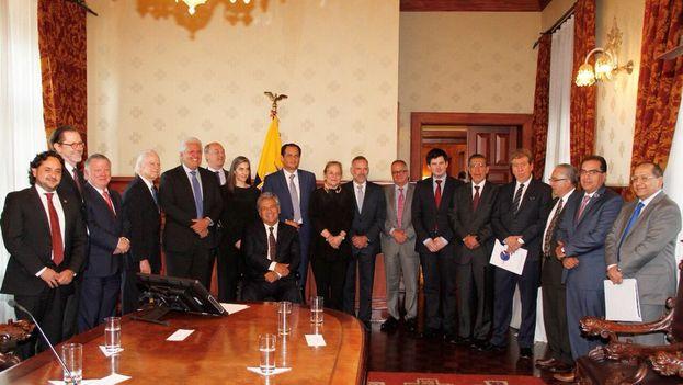 Reunión entre los representantes de la Sociedad Interamericana de Prensa y Lenín Moreno. (@Lenin)