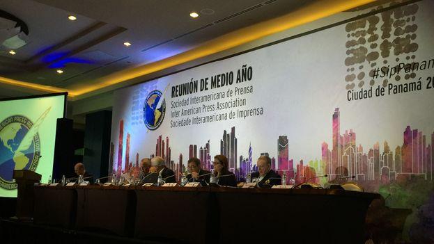 Reunión de la Sociedad Interamericana de Prensa en Panamá (Foto: Yoani Sánchez)