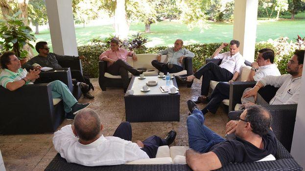 Reunión entre los equipos negociadores en La Habana en la que se discutió el tema agrario. (@EquipoPazGob)