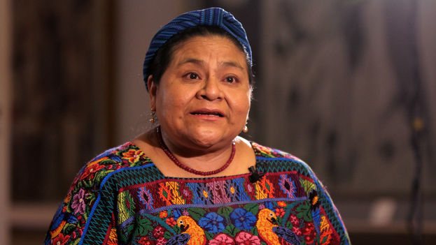 """Rigoberta Menchú calificó de """"histórico"""" y de """"victoria"""" para el pueblo el desafuero del presidente. (CC)"""
