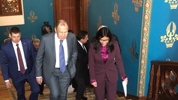 Delcy Rodríguez y Sergei Lavrov este lunes en Moscú. (@DrodriguezVen)