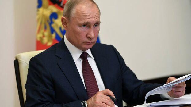"""El presidente de Rusia, Vladímir Putin, anunció la entrada en vigor de la reforma constitucional """"por voluntad de los ciudadanos"""". (EFE)"""