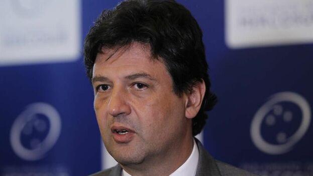 El ministro de Salud, Luiz Henrique Mandetta, explicó en una comparecencia al Congreso la situación de los médicos cubanos. (EFE)
