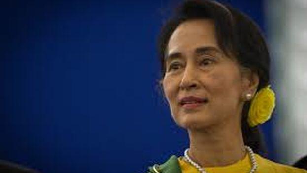 Aun San Suu Kyi en la recogida del premio Sajarov en octubre de 2013. (CC)