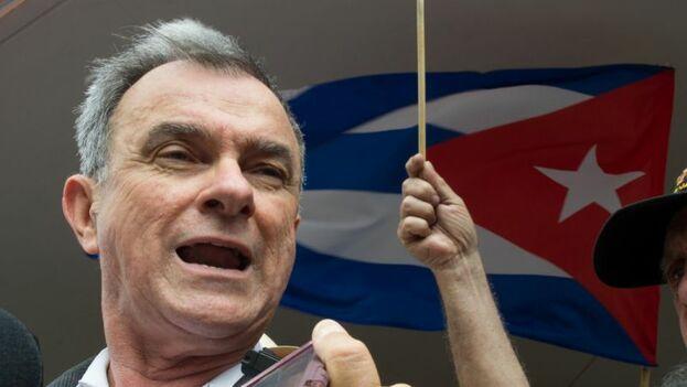 Sánchez nunca quiso la ciudadanía estadounidense por considerarlo una traición a la causa cubana. (EFE)