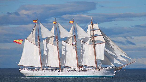 El buque escuela 'Juan Sebastián Elcano' es el más conocido bergantín-goleta de la Armada Española. (M. Exteriores)