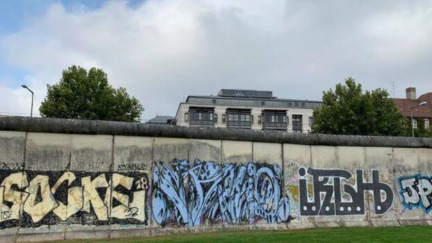 Sección del Muro de Berlín en el complejo conmemorativo de la Bernauerstrasse, en la capital de Alemania. (EFE/Rodrigo Zuleta)