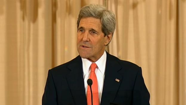 Secretario de Estado de los EE.UU. John Kerry hablando en el 20 aniversario de la Cumbre de las Américas. (Departamento de Estado de los EE.UU.)