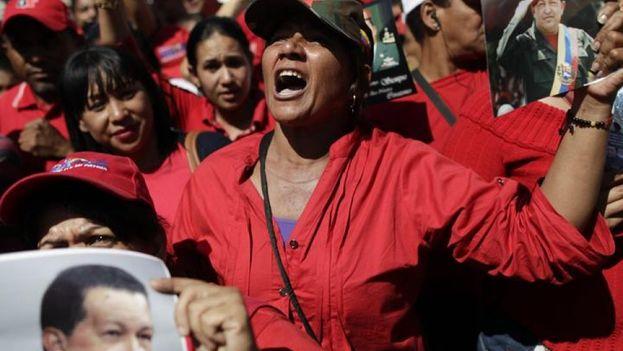 Seguidores del presidente durante el funeral de Hugo Chávez en 2013. (EFE)