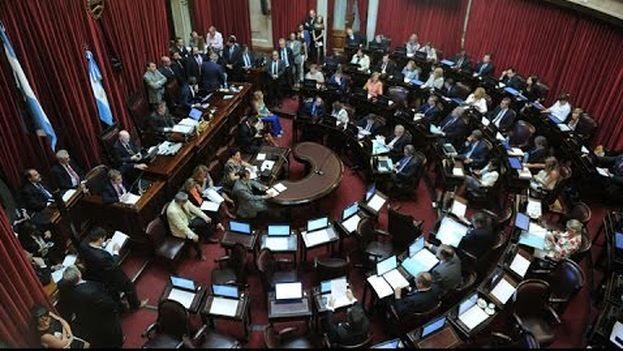 El Senado debatió durante más de 12 horas el proyecto de ley que autoriza al país a saldar las deudas con fondos de inversión litigantes en tribunales de Nueva York. (CC)