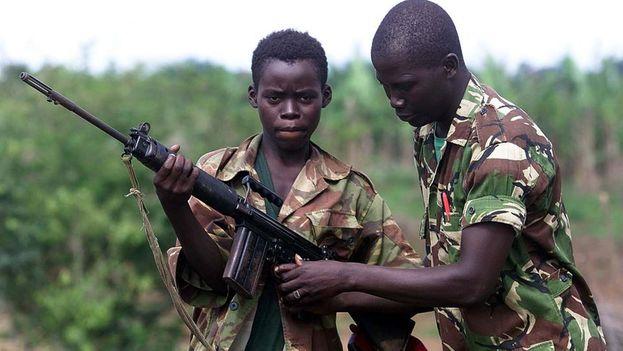 En Sierra Leona, durante la guerra civil, los niños eran reclutados y drogados para luchar. (Flickr)
