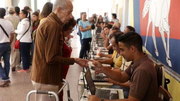 Simulacro del proceso electoral del próximo 6 de diciembre en Venezuela, celebrado este domingo. (@PartidoPSUV)