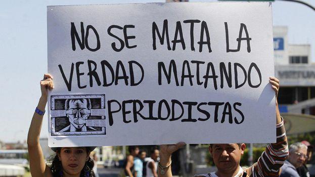 """La Sociedad Interamericana de Prensa lamentó que los asesinatos de 31 periodistas oscurezcan los """"grandes avances en temas jurídicos y digitales"""" en América. (EFE)"""