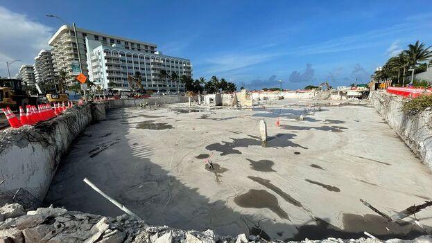 Solar donde hasta hace poco se encontraba la montaña de escombros del edificio derrumbado en Surfside, Florida. (EFE/Senador Jason Pizzo)