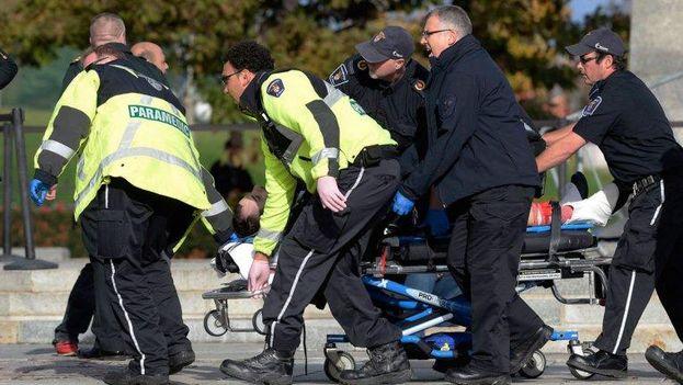 Soldado herido en Ottawa (Fuente: Twitter)