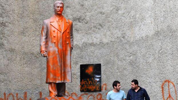 La estatua de Stalin de Telavi fue retirada hace años tras ser vandalizada en varias ocasiones.