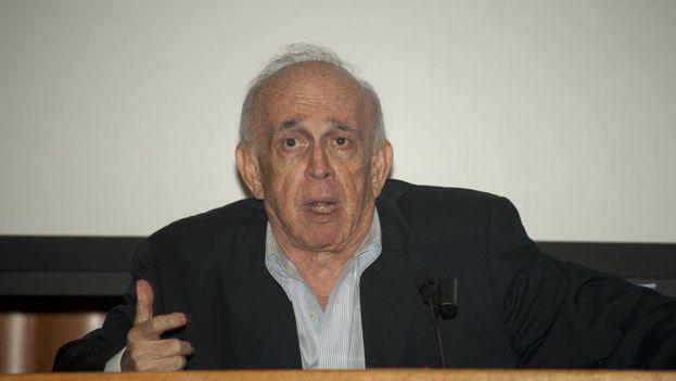 Jaime Suchlicki, director del Instituto de Estudios Cubanos y Cubanoamericanos de la Universidad de Miami. (Youtube)