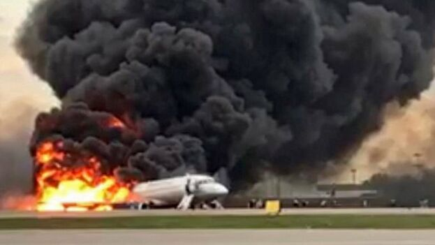 Los Sujoi Superjet 100 han dado varios problemas en los últimos años que han llevado a las compañías a dudar de su seguridad. Captura