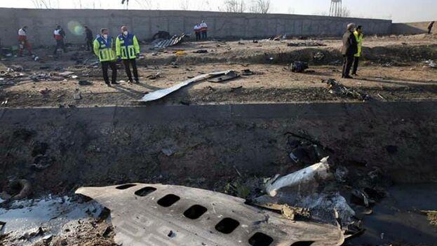 En el accidente del avión ucraniano este miércoles en Teherán perdieron la vida los 176 ocupantes. (Abedin Taherkenareh / EFE)