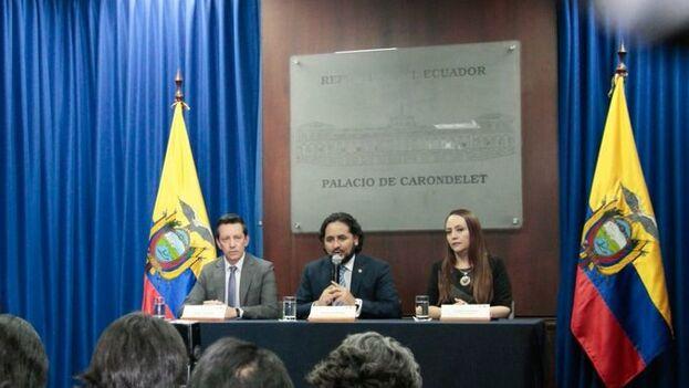 El ministro de Telecomunicaciones, Andrés Michelena, explicó la filtración de datos masiva que afecta a millones de ecuatorianos. (@caanmichelena)