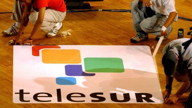Telesur fue una iniciativa del exmandatario Hugo Chávez para extender su línea ideológica a América Latina. (EFE)