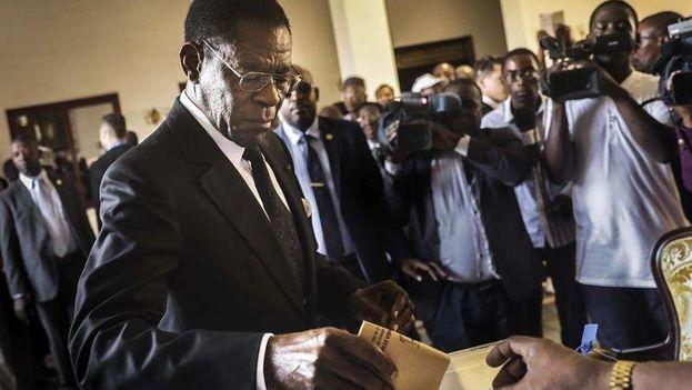 El partido del presidente Teodoro Obiang Nguema Mbasogo, en el poder desde 1979, se impuso en unos comicios que registraron una participación del 84%. (EFE)