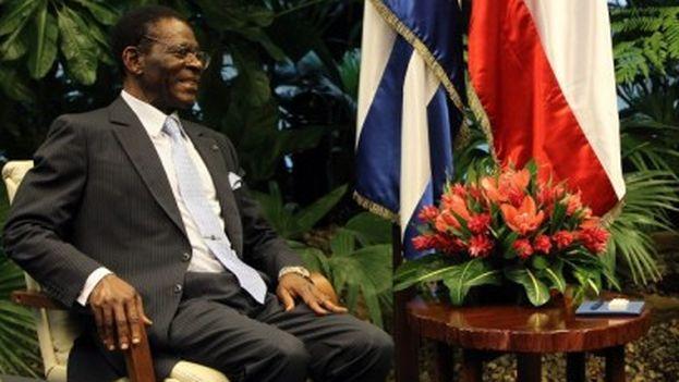 Raúl Castro y Teodoro Obiang en septiembre de 2014, en el Palacio de la Revolución de La Habana. (EFE)