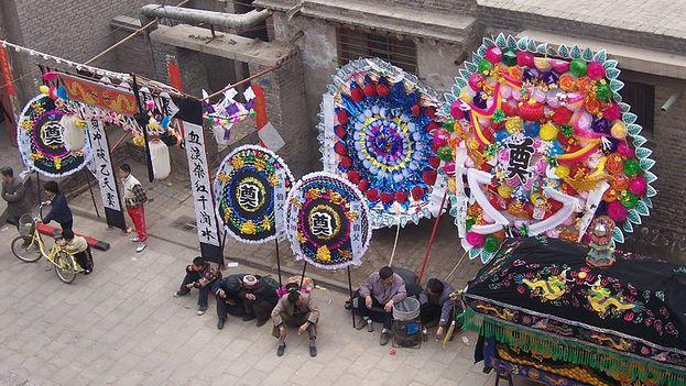 Tienda de decoración para funerales en China. (CC)