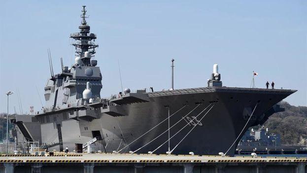 El destructor Izumo de las Fuerzas de Auto Defensa de Japón, en la base naval de Yokosuka, cerca de Tokio. | EFE | Archivo