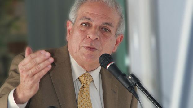 Tomás Regalado, alcalde de Miami. (Wikimedia Commons)