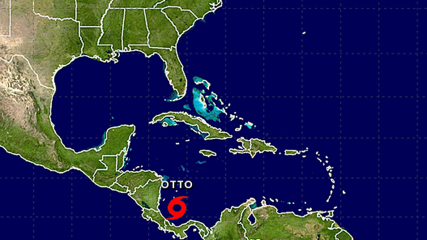 La Tormenta Tropical Otto se desplaza por el sur del Mar Caribe. (CNH)