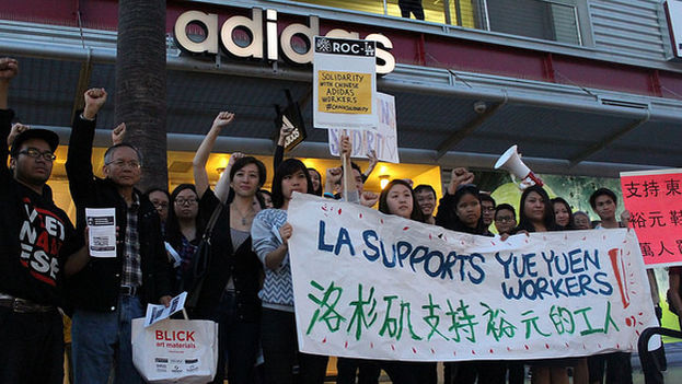 Trabajadores de Adidas en Hong Kong apoyaron la huelga del pasado año en Yue yuen. (Sacom Hong Kong)